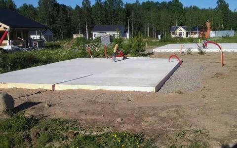 Возведение фундамента - две монолитные плиты под дом и гараж в посёлке Ольшаники Выборгского района