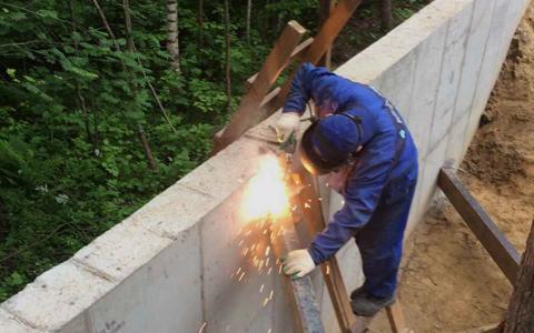 Возведение фундамента под забор в посёлке Токсово, во Всеволожском районе