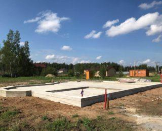 Большое Коновалово— монолитная плита с ростверком под дом из газобетона и гараж