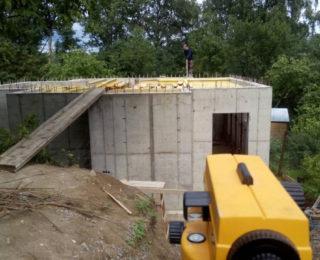 Воейково — цокольный этаж под дом из рубленного бревна