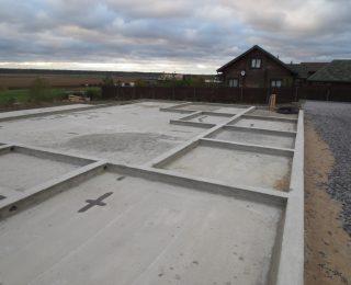 Запорожское — монолитная плита с ростверком под брусовый дом