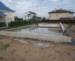 КП «Колтуши» — лента с полами по грунту под дом и фундамент под забор